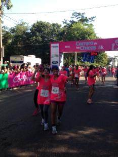 Con mi mamá Olga en la carrera de las chicas, edición 2015.